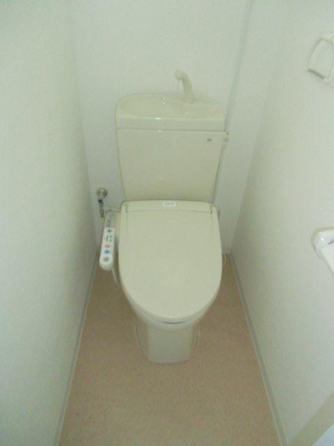 エビラヤビル 406号室のトイレ