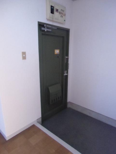 サンライト東刈谷 C406号室の玄関
