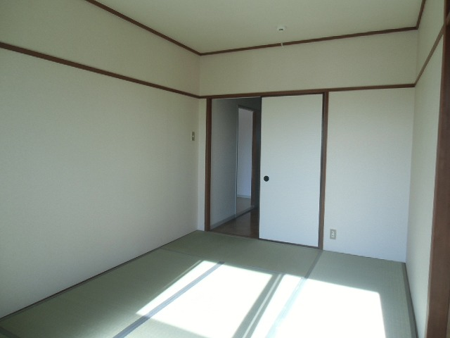 サンライト東刈谷 C406号室のロビー