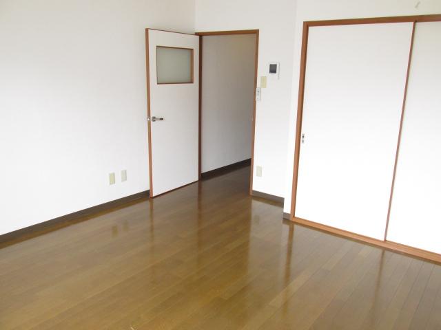 ハイツフーキ 202号室のリビング
