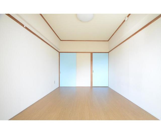 スカイブルー80 202号室の玄関