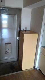 ビューラータカノ 305号室の玄関