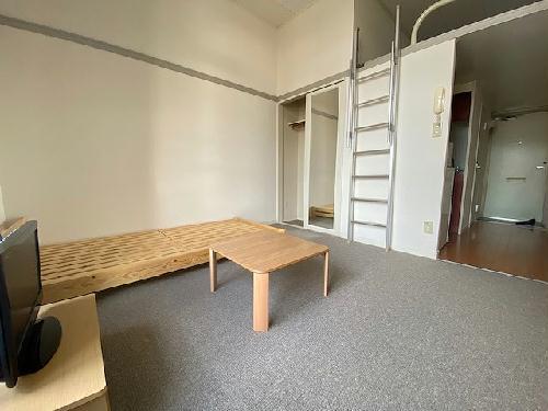 レオパレスヴィバーチェ 202号室のリビング