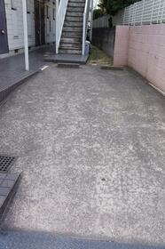 フローラ砂口 1階 103号室の駐車場