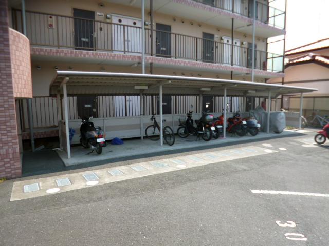 パークスクエア 103号室の駐車場