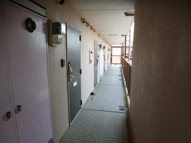 パークスクエア 103号室のエントランス