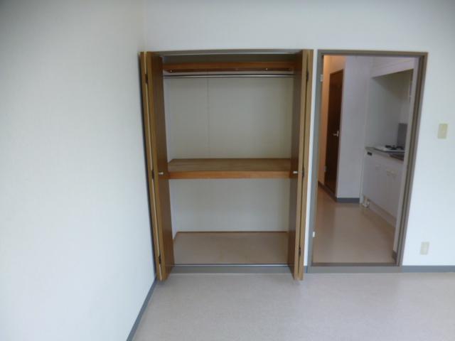 パークスクエア 103号室の収納