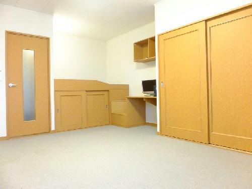 レオパレスMercury 211号室のリビング