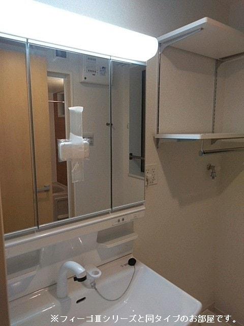 ソレイユ.イー 02010号室の洗面所