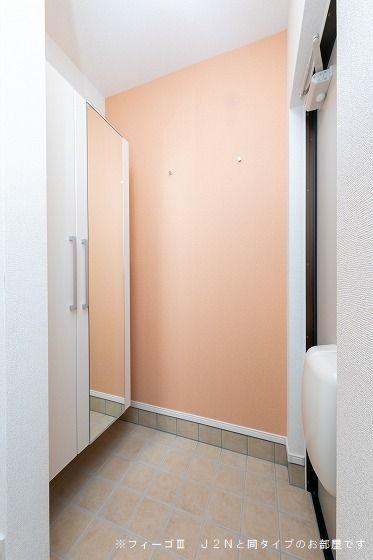 ソレイユ.イー 02010号室の玄関
