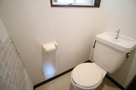 ファミリープラザD 102号室のトイレ