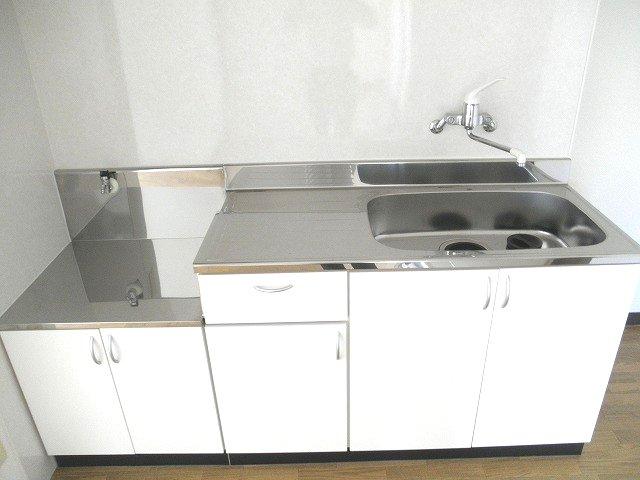 サンビューラⅠ 102号室のキッチン