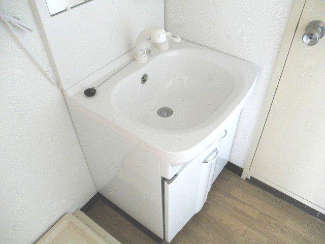 サンビューラⅠ 102号室の洗面所
