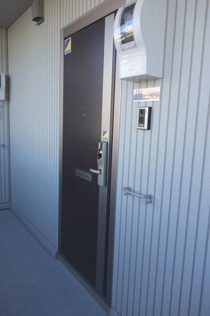Lumiere Maruju 102号室の玄関