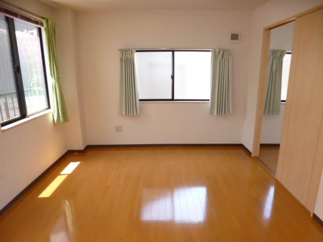 M・一番星 102号室の収納