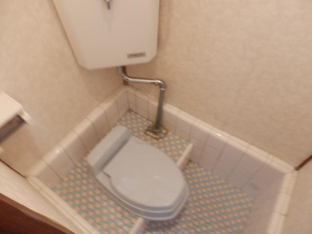 ミドリ荘 8号室のトイレ