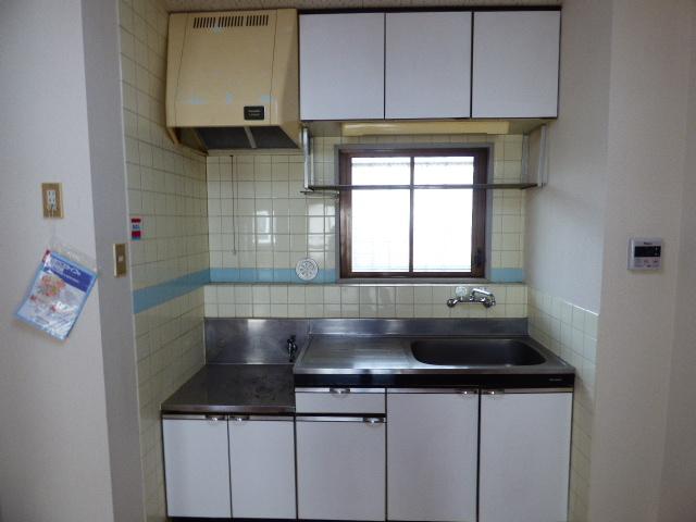 パールハイツ吉野B棟 202号室のキッチン