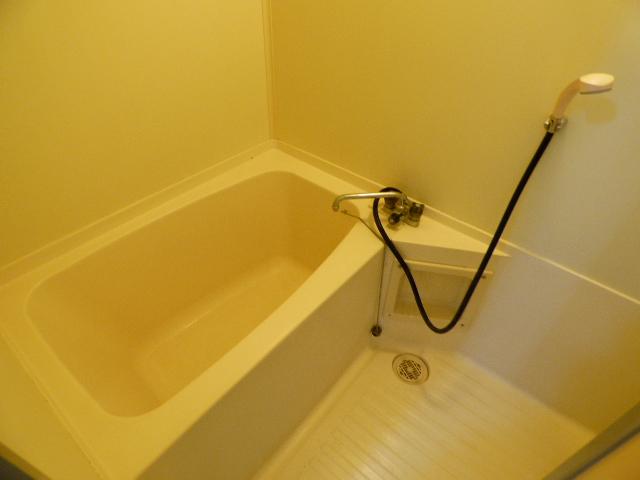パールハイツ吉野B棟 202号室の風呂