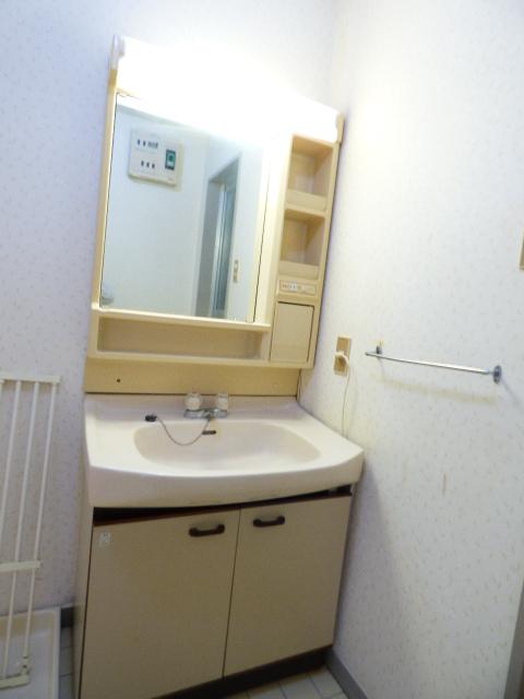 パールハイツ吉野B棟 202号室の洗面所