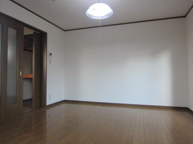 サンコーポヤマブン 201号室のその他