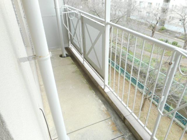 鎌ヶ谷グリーンハイツ23号棟 410号室のバルコニー