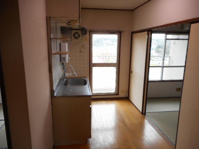 鎌ヶ谷グリーンハイツ23号棟 410号室のリビング