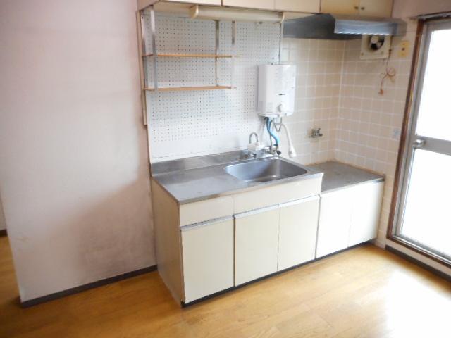 鎌ヶ谷グリーンハイツ23号棟 410号室のキッチン