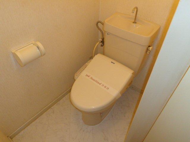 エルモリカワ 00102号室の洗面所