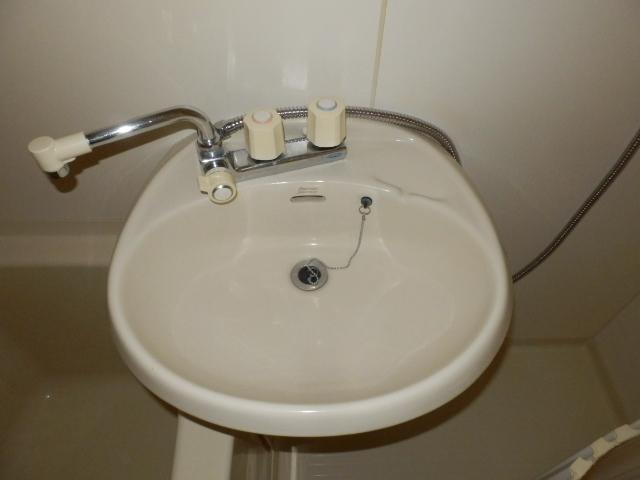 ベルコリーヌⅢ 105号室の洗面所