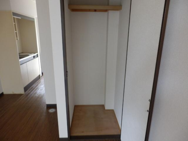 ベルコリーヌⅢ 105号室の収納