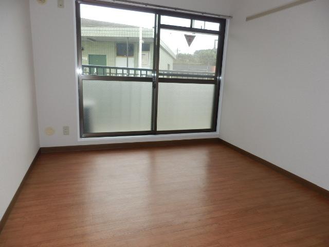 ヴィラージュ平瀬3号棟 301号室の玄関