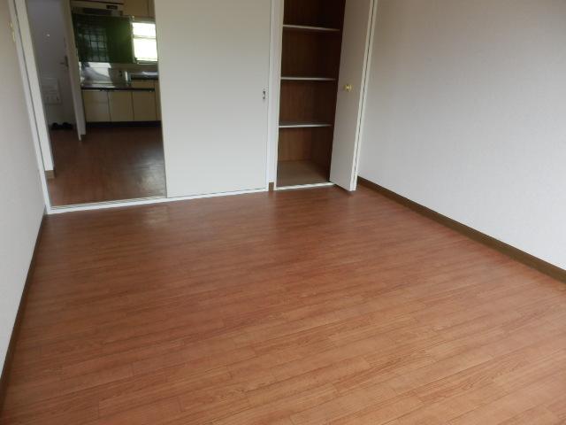 ヴィラージュ平瀬3号棟 301号室の洗面所