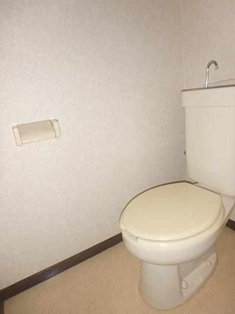 メゾンハピネス 101号室のトイレ