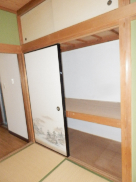 コーポ佐久間 101号室の収納