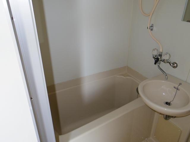 ビラ三秀植田 201号室の風呂