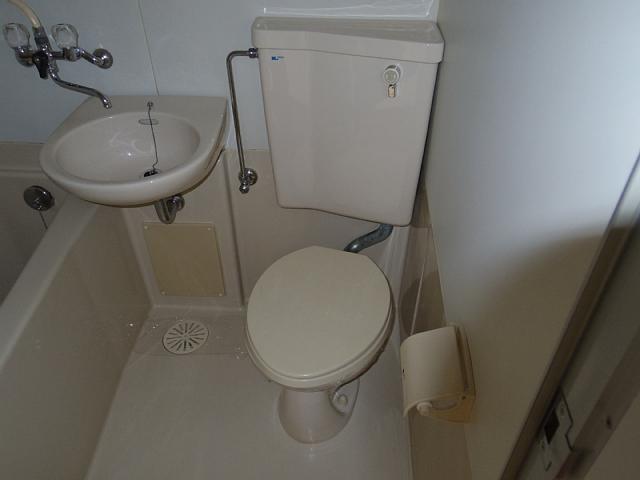 ビラ三秀植田 201号室のトイレ