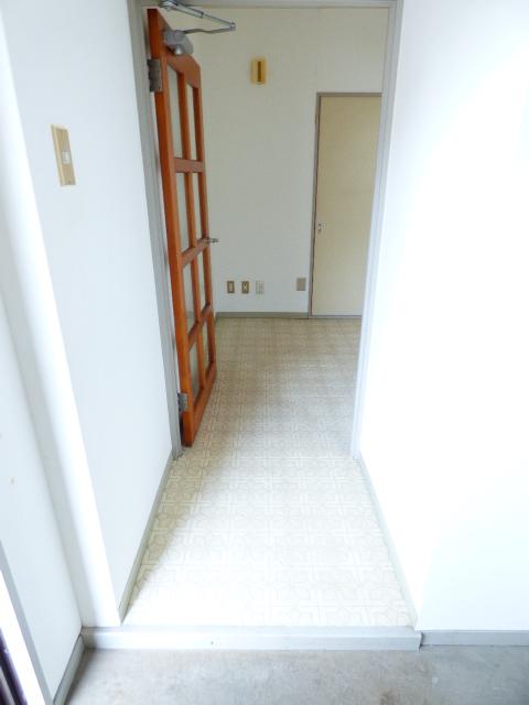 パールハイツ吉野B棟 201号室の玄関