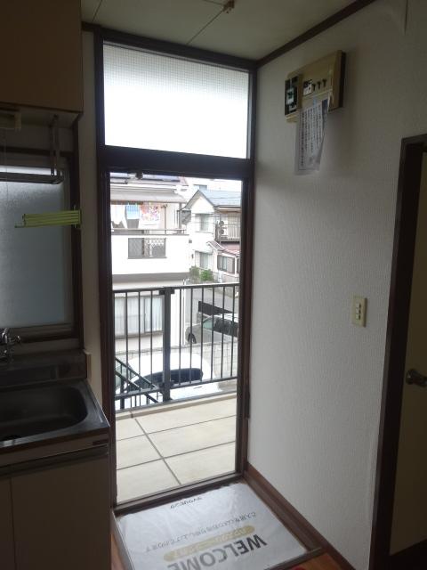 コーポミユキ 202号室の玄関