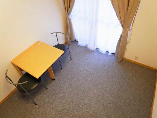 レオパレスブラウンポートアオキ 302号室のベッドルーム