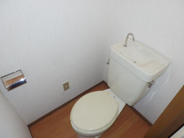 コーポ玉川 403号室のトイレ