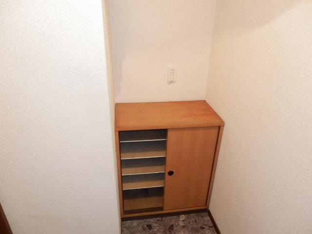 コーポ玉川 403号室の玄関