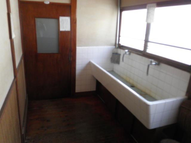 みなもと荘 211号室の洗面所