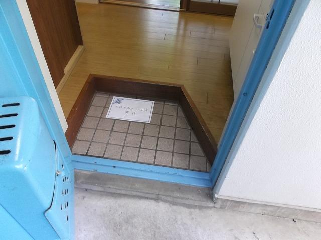 ヴィラテレサ 101号室の玄関