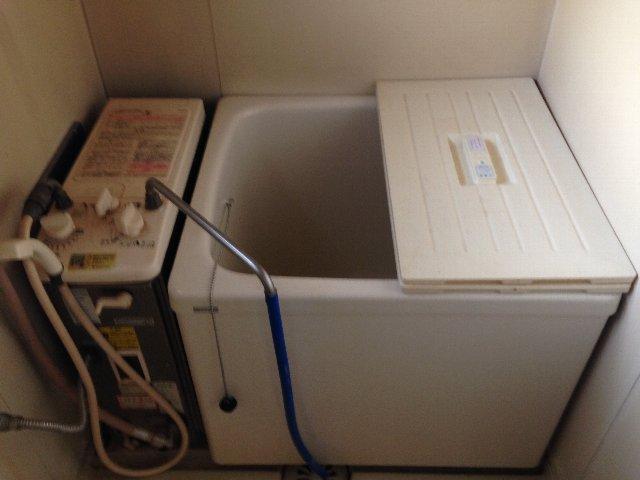 第二秋元荘 102号室の風呂