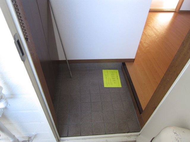 メゾンブランシュ 202号室の玄関