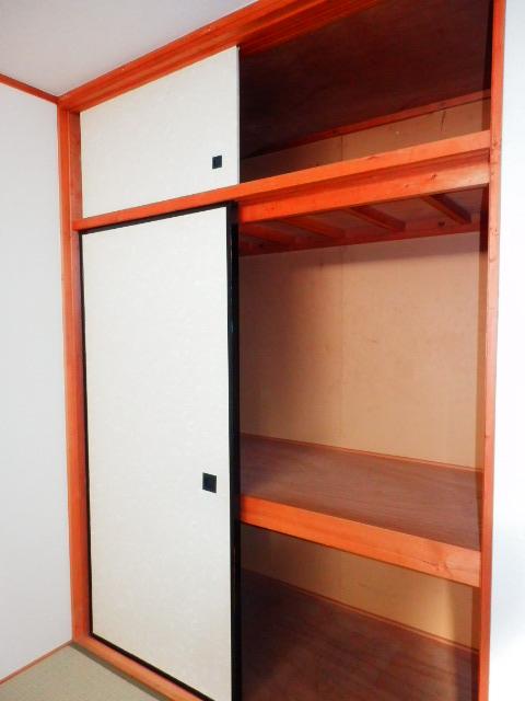ドエルタカハシ 103号室の収納