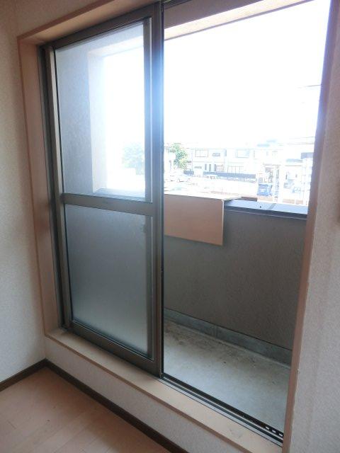 平田荘 202号室のバルコニー