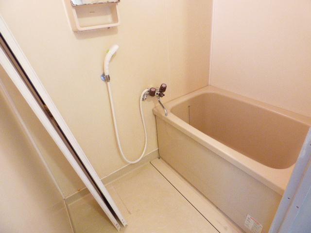 メゾンラビット 201号室の風呂