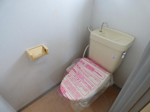 メゾンラビット 201号室のトイレ