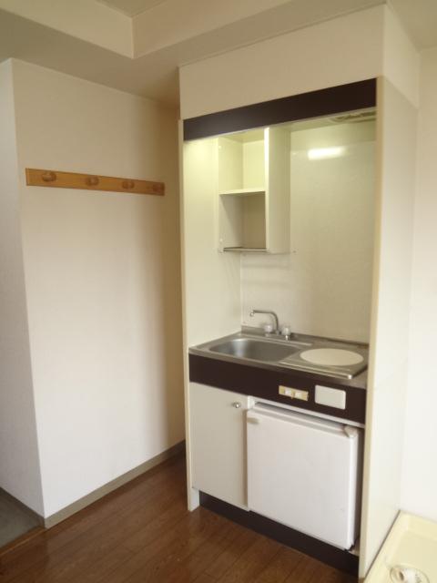 パレスフィールド西船 302号室のキッチン